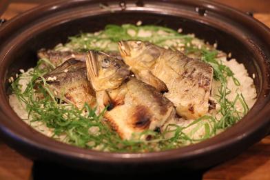 土鍋炊き鮎ご飯